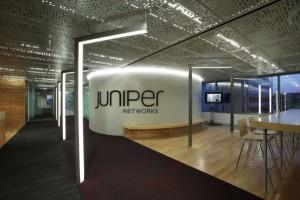 Juniper-Networks-Lights-the-Way_02-600x401 (1)