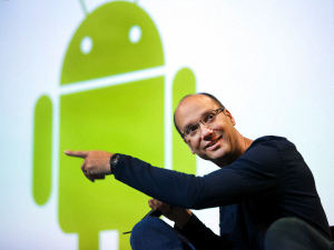 Andy_Rubin_w_Android_Logo_Wide