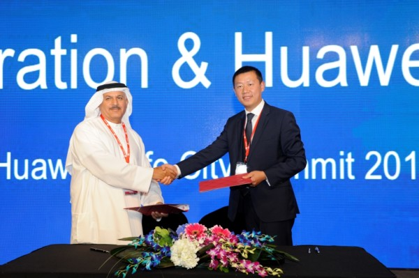 H.E. Khalifa Al Zaffin, Executive Chairman, Dubai Aviation City Corporation and Colin Hu, Managing Director of  Huawei Enterprise,