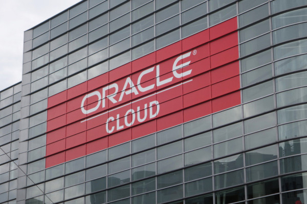 Oracle swipes at AWS, Microsoft and Salesforce as cloud revenue hits $1bn
