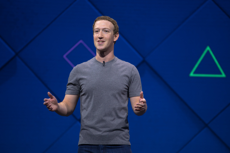 Facebook Execs Sold $4bn in Stock Last Year