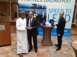 Said Al-Mandhari, MDS, receiving award