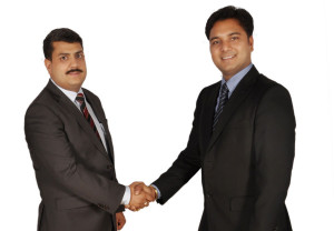 (L-R) Sanjay Raina, Director, Networking & IT Security, SNB Middle East and Ravinder Janotra, Regional Sales Manager, Middle East, Cyberoam