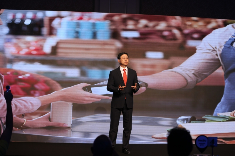 Samsung Gulf's Ismail Yoon during his keynote speech at the Samsung Pay launch