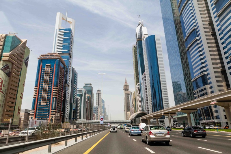 Dubai tests out digital licence plates
