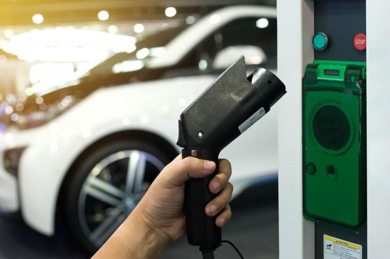 Oman, electric vehicles