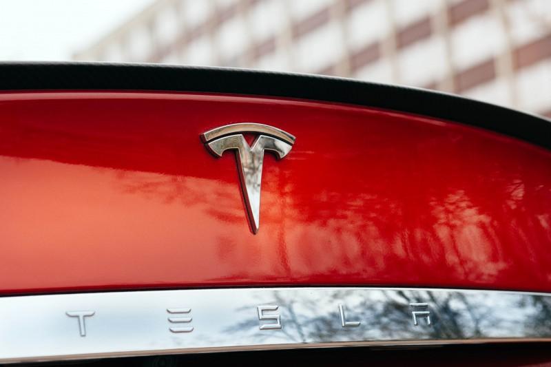 Tesla, autopilot