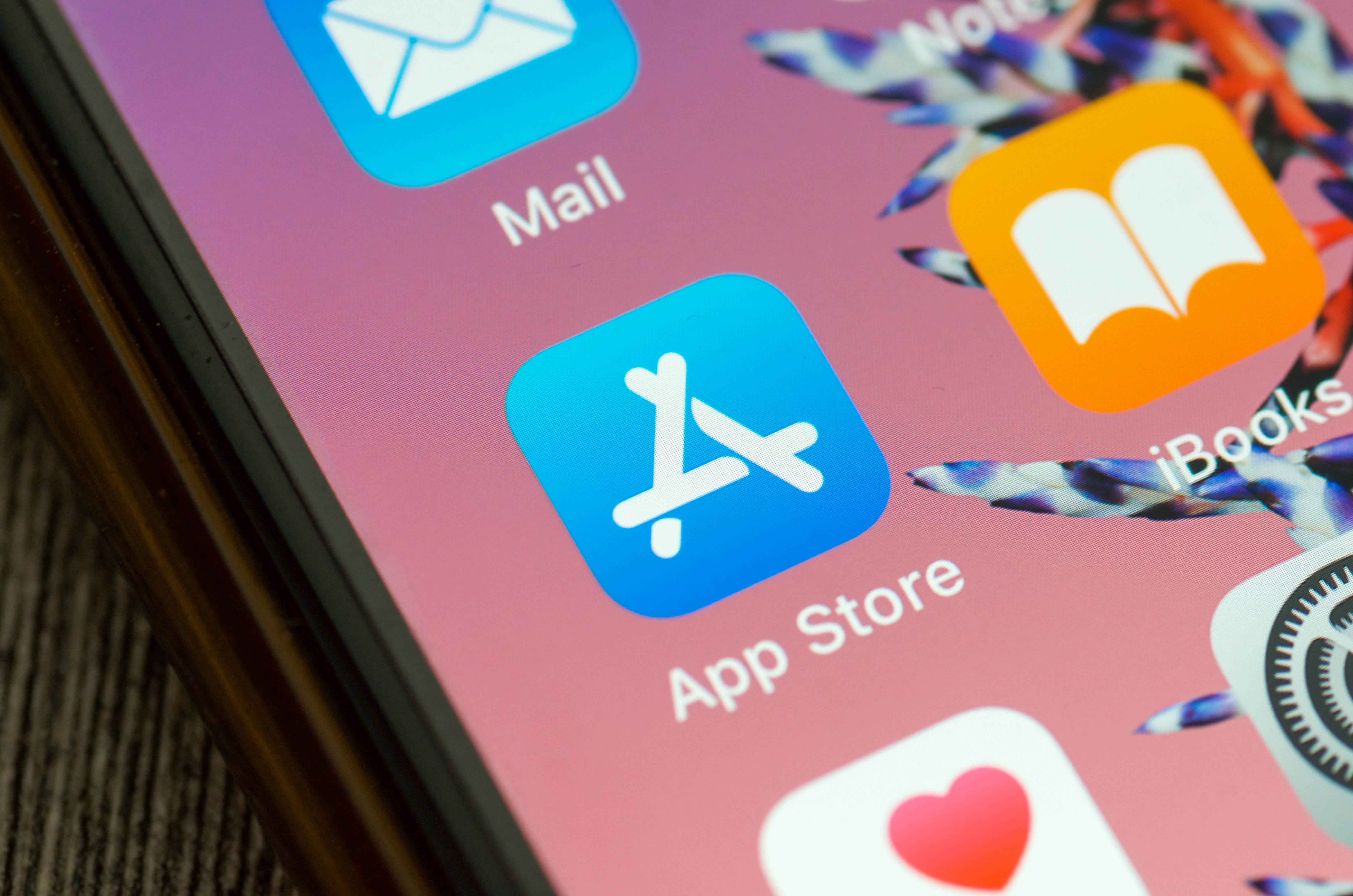 iPhone users take Apple to court over app store