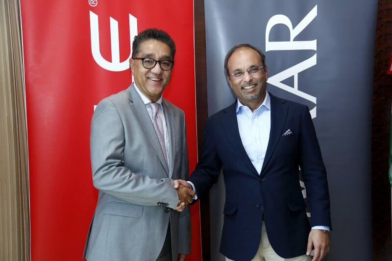 (LtoR) Arun Khekar, Oracle and Amit Jain, Emaar