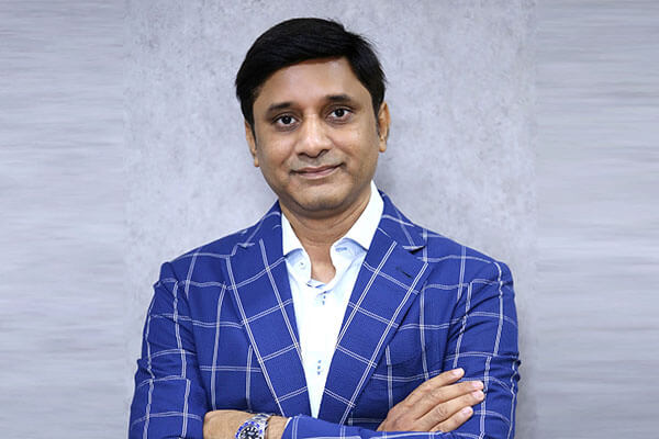 Anand Choudha, Spectrami distribution